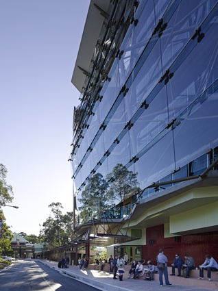 Griffith University: Rescuing the Declining Campus by Cox Rayner Architects.