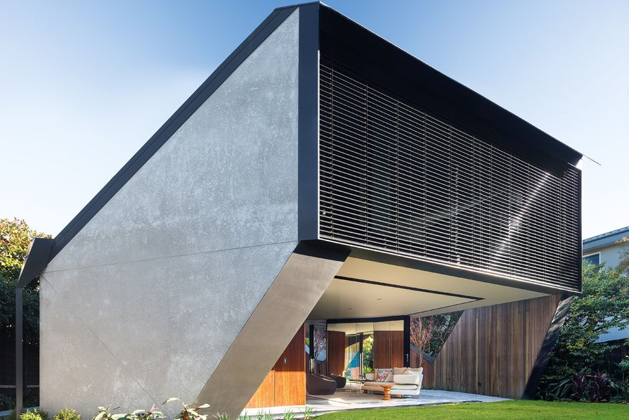 Like an oyster's shell, the exposed edges of K House are serrated, simultaneously providing openness and enclosure.