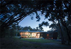 Paul Morgan's house at Cape Schanck, site for the exhibition. Image:Peter Bennetts