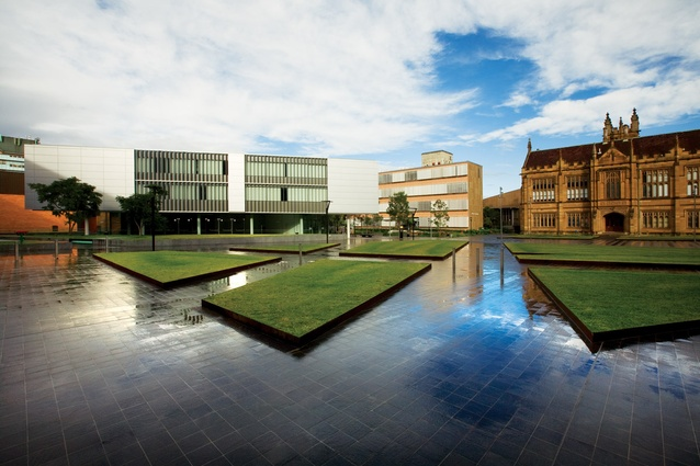 The law faculty square acts as a dynamic thoroughfare and a space for relaxation through the tight integration of lawn plinths and hardscape desire lines.