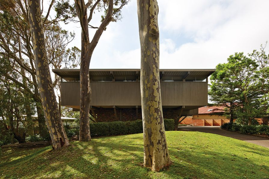 """The house firmly shut out 1960s Port Hacking, which epitomized the suburban """"featurism"""" that Robin Boyd despised."""
