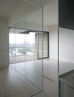An interior view showing the arrangement of glass walls forming a study. Image:Tim Griffiths
