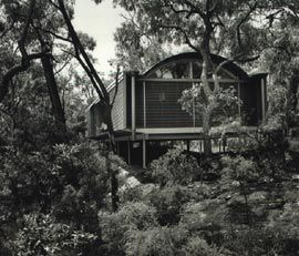 Ball-Eastaway house and studio, Glenorie, NSW, 1980-83. Assistants Graham Jahn and Rad Milatich; Alex Tzannes, site visits. Image: Anthony Browell.