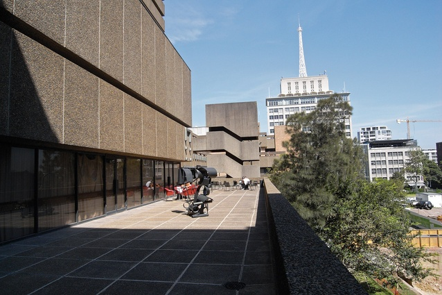 In the competition for the design of the Great Hall, DRAW's original brief proposed to co-opt a redundant external balcony to form an anteroom and informal function space to support the hall.