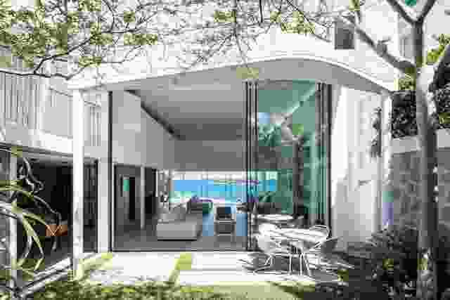 Tamarama House(2014年)的平面图上雕刻了几片,以形成一片翠绿的花园。