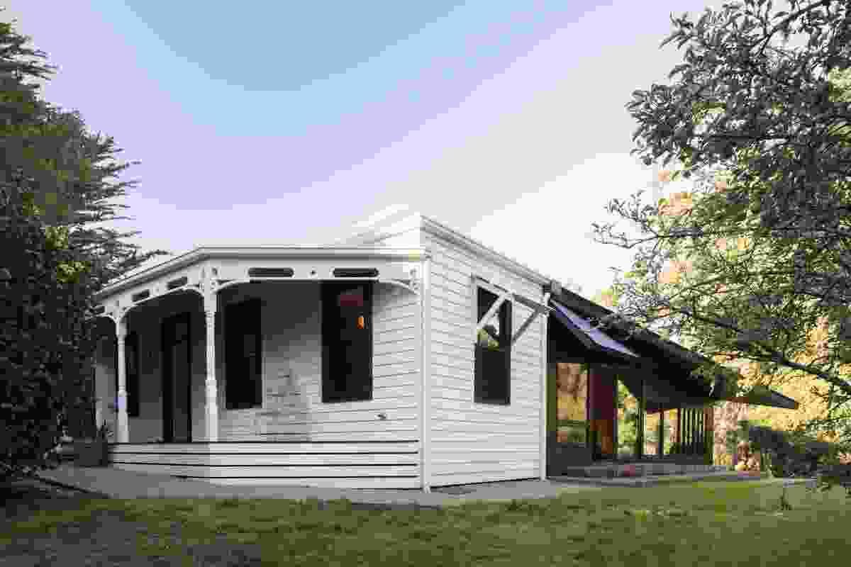 Shadow Cottage Daylesford by MRTN Architects.