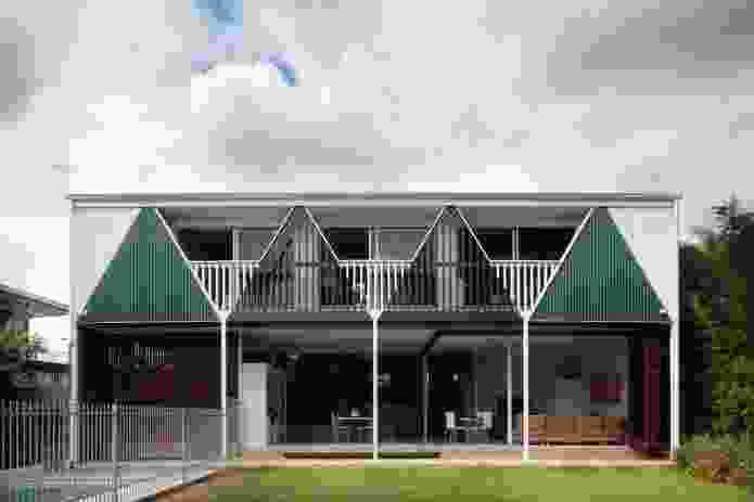 Franzmann 3 Residence, 2005. The rear elevation features a series of triangles and, with the use of colour, appears three-dimensional.