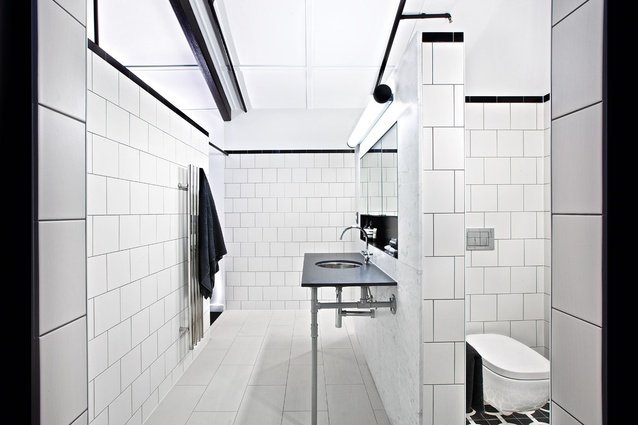 The mezzanine ensuite is made up of three open, roofless niches.
