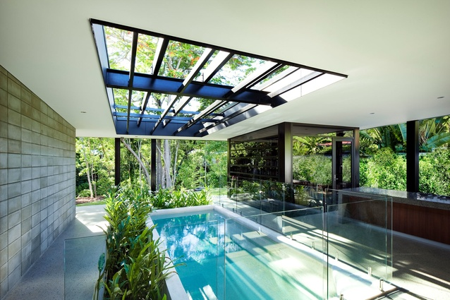 (–) Glass House by Charles Wright Architects.
