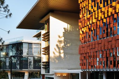 Advanced Engineering Building by Richard Kirk Architects and Hassell.
