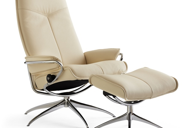 Ekornesu0027 Stressless City recliner in Vanilla-coloured leather.  sc 1 st  ArchitectureAU & New Nordic recliner series | ArchitectureAU islam-shia.org