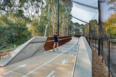 Darebin Yarra Trail Link by VicRoads Urban Design Team and VicRoads Structural Design Team.