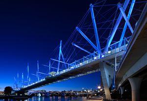 Kurilpa Bridge, Brisbane, by Cox Architecture/ Cox Rayner Architects.