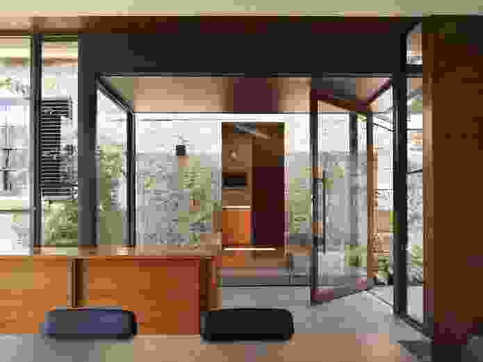 The glazed link between the conservatory and the kitchen also acts as an entrance lobby.