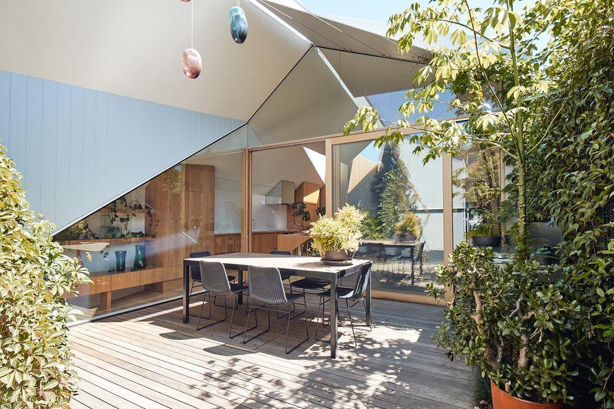 """""""他和她的房子""""的业主选择了一位他们熟悉的建筑师。"""