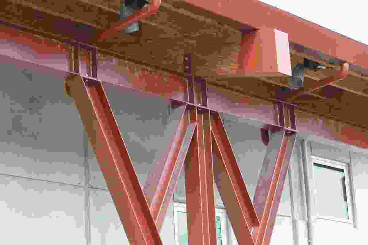 The major portions of this canopy truss were created using shop-welded connections. These discrete bolted connections are inconspicuous and allowed for an easier site assembly.