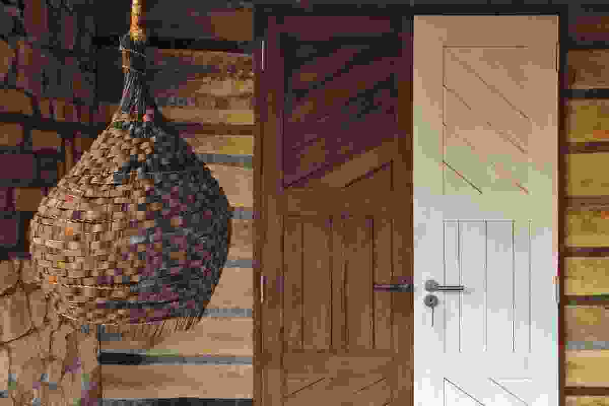 Woven recycled metal shade at the entrance to Savannah Banda 2.