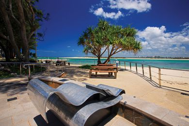 Pandanus Terrace at Bulcock Beach, Caloundra features the sculpture Chiaroscuro by Salvatori 