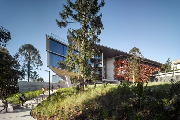 UQ Advanced Engineering Building by Richard Kirk Architect Hassell Joint Venture.