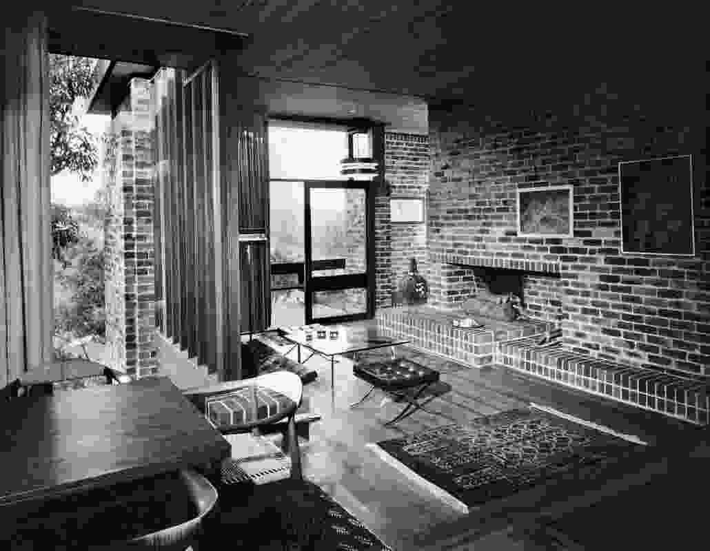A 1965 photograph by David Moore of the main living space, showing the originally sunken floor.