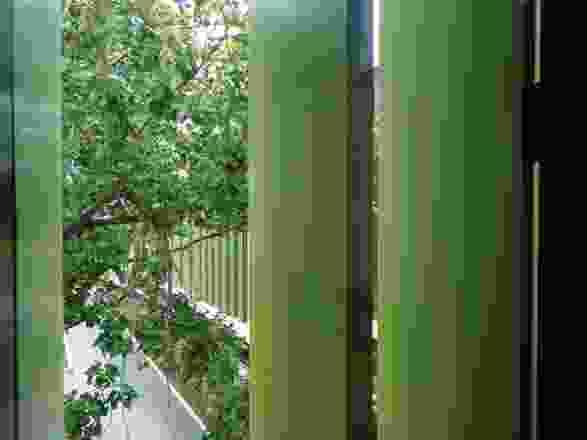 现有的树木和花园的景观构成了洛伊中心的基本元素。