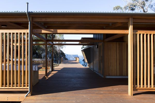 Three Capes Track Cabins by Jaws Architects.
