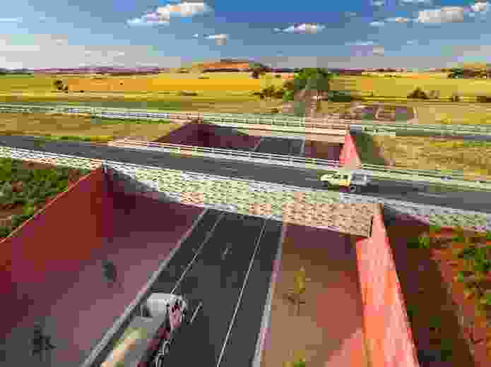 Remembrance Drive Interchange by Oculus in collaboration with VicRoads and Paul Thompson.