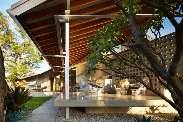 Concrete House by Fringe Architects.