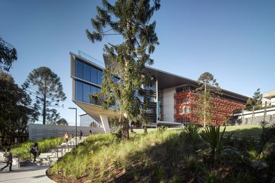UQ Advanced Engineering Building by Richard Kirk Architect and Hassell (Joint Venture).