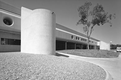 Mount Druitt Hospital, one of the earliest projects on which Nield took a leading role.