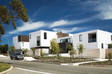 Located on former industrial land in Fremantle, Knutsford cascades toward the industrial precinct, abutting low-rise worker's cottages and a limestone quarry.