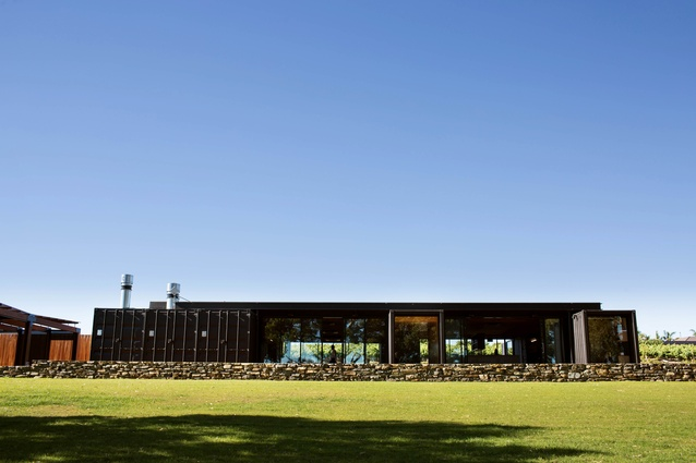 The Mitolo Wines Cellar Door and Restaurant by Tectvs offers the first impression of a low-lying and unassuming built form.