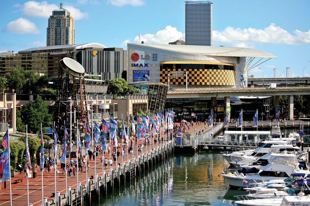 "Example of ""urban plaza model"" – Darling Harbour, Sydney."