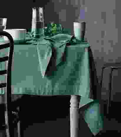 Maison table linen.