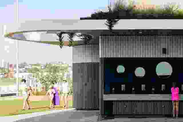 由Sam Crawford Architects和Lymesmith设计的North Bondi设施。