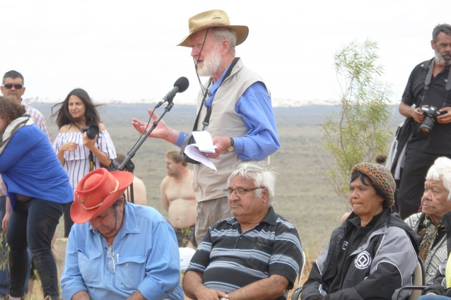 Geologist Jim Bowler, who first discovered Mungo Man's remains, addresses the ceremony.