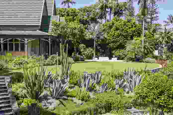 The Hermitage, Vaucluse, designed by 360 Degrees Landscape Architects and constructed by Bates Landscape.