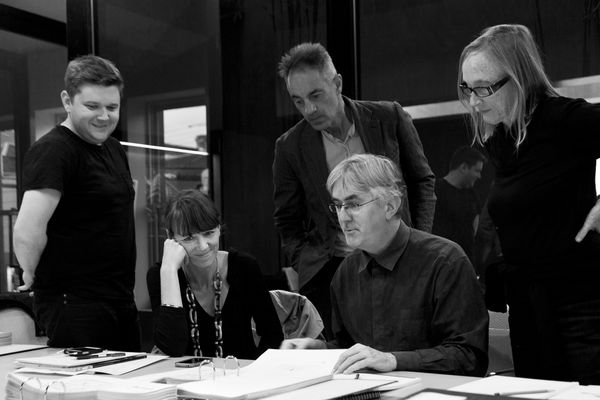 Cameron Bruhn, Rachel Neeson, Chris Connell, James Jones and Brit Andresen busy judging the 2012 Houses Awards.