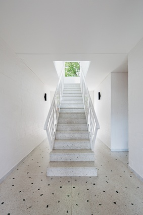 The stair element is plucked from the Platonic ideal of stairs, set in isolation so that its facture is independently read.
