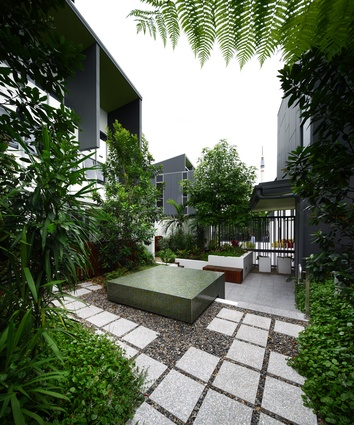 SW1 successfully combines offices, cafes, restaurants, shopping, townhouses, apartments, and function spaces, with fully accessible and safe 24 hour public open space and secluded private gardens.