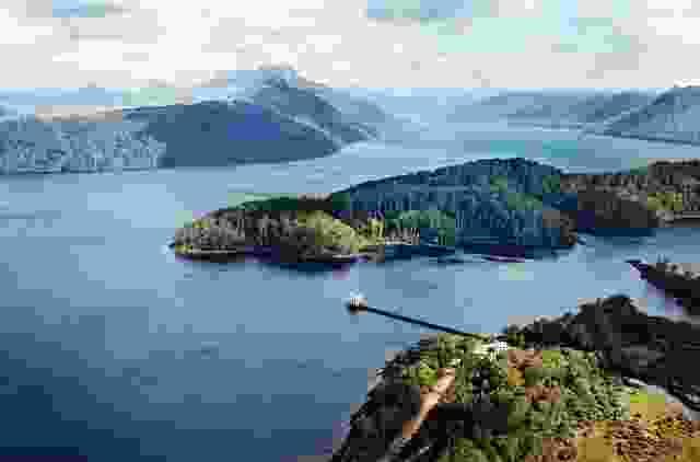 泵房点分为两座建筑:泵房位于塔斯马尼亚荒野的码头末端,以及位于湖岸的海滨住宅。