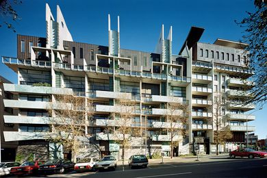 Melbourne Terrace Apartments, Nonda Katsalidis (1994).