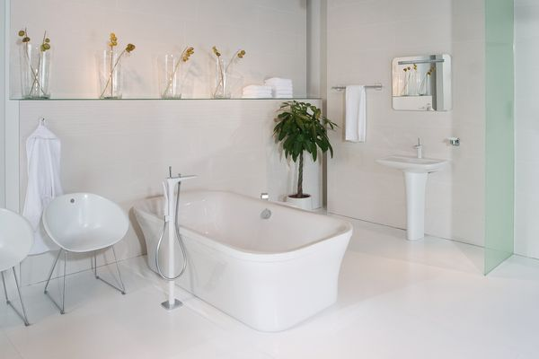 The PuraVida bath mixer with hand shower.