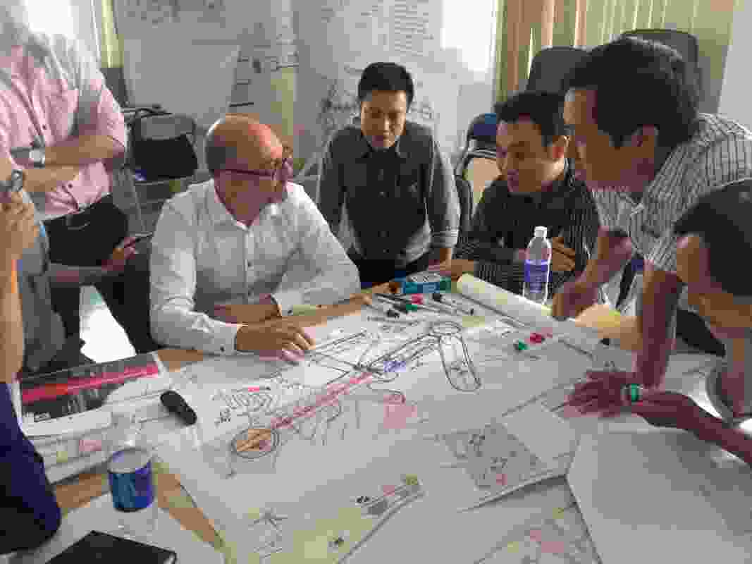 A workshop being led by Hansen Partnership's Craig Czarny in Vietnam.