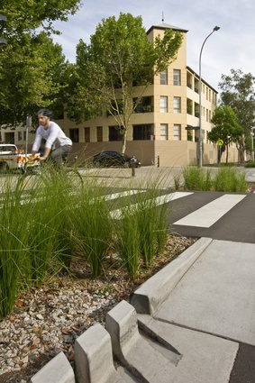 Bourke Street Cycleway, Woolloomooloo, by Pod Landscape Architecture with GTA Consultants, Northrop Engineers and the City of Sydney.