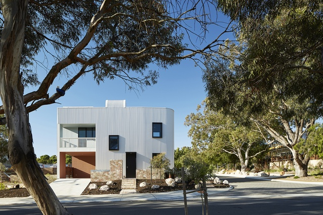 What from the outside looks like a single detached house is actually three apartments.