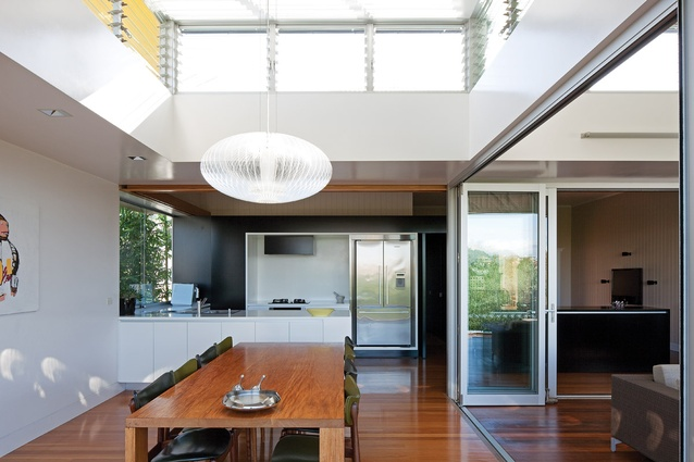 High-level glass louvres allow for ample ventilation and light into the living spaces.