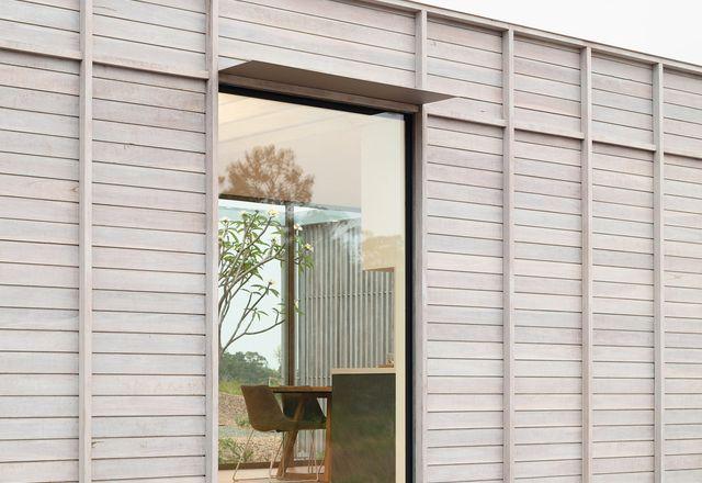 Courtyard House for Fabprefab (NSW) by Chrofi with Fabprefab, New House Under 200 m².