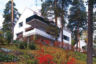 Alvar Aalto Houses by Jari Jetsonen and Sirkkaliisa Jetsonen.
