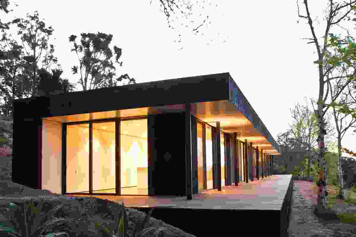 New House over 200m² – Emerald Modular House by Carr Design Group.